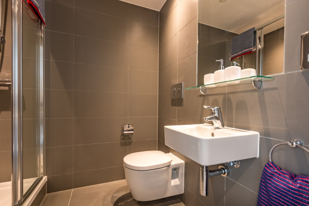 A studio bathroom in Palamon Court, student accommodation in Canterbury