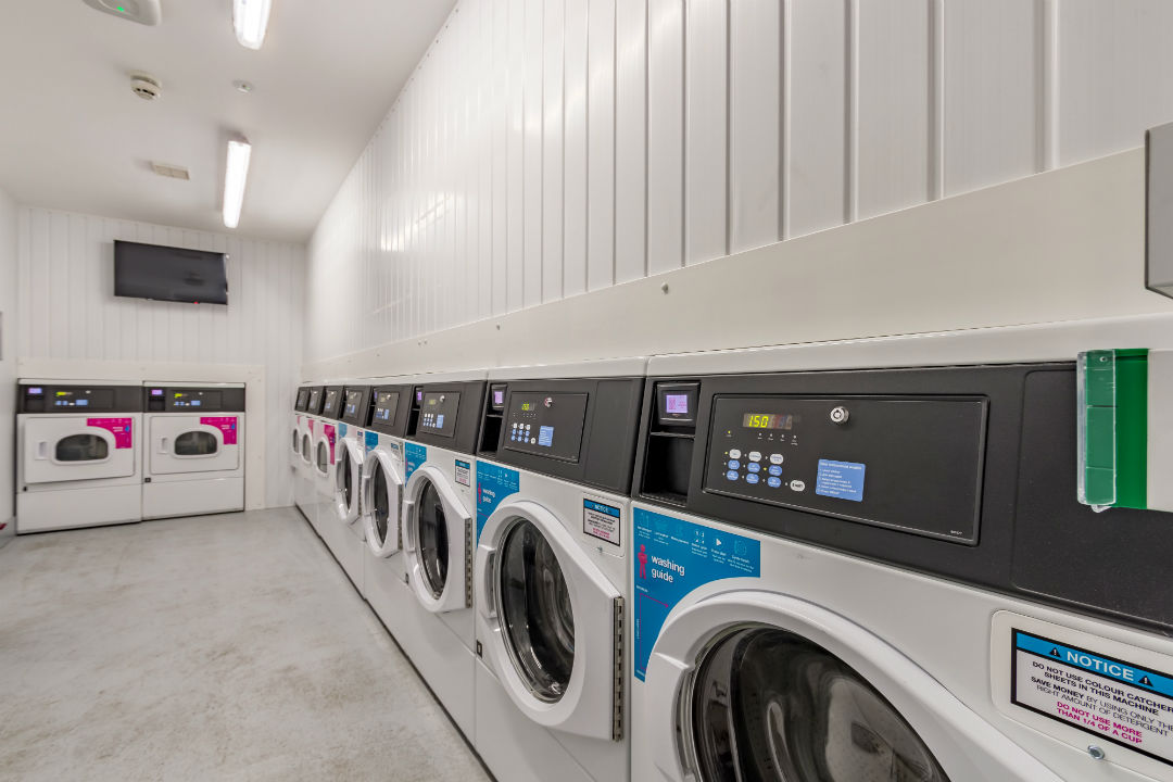 Student Flat in Kingston - On-site laundry
